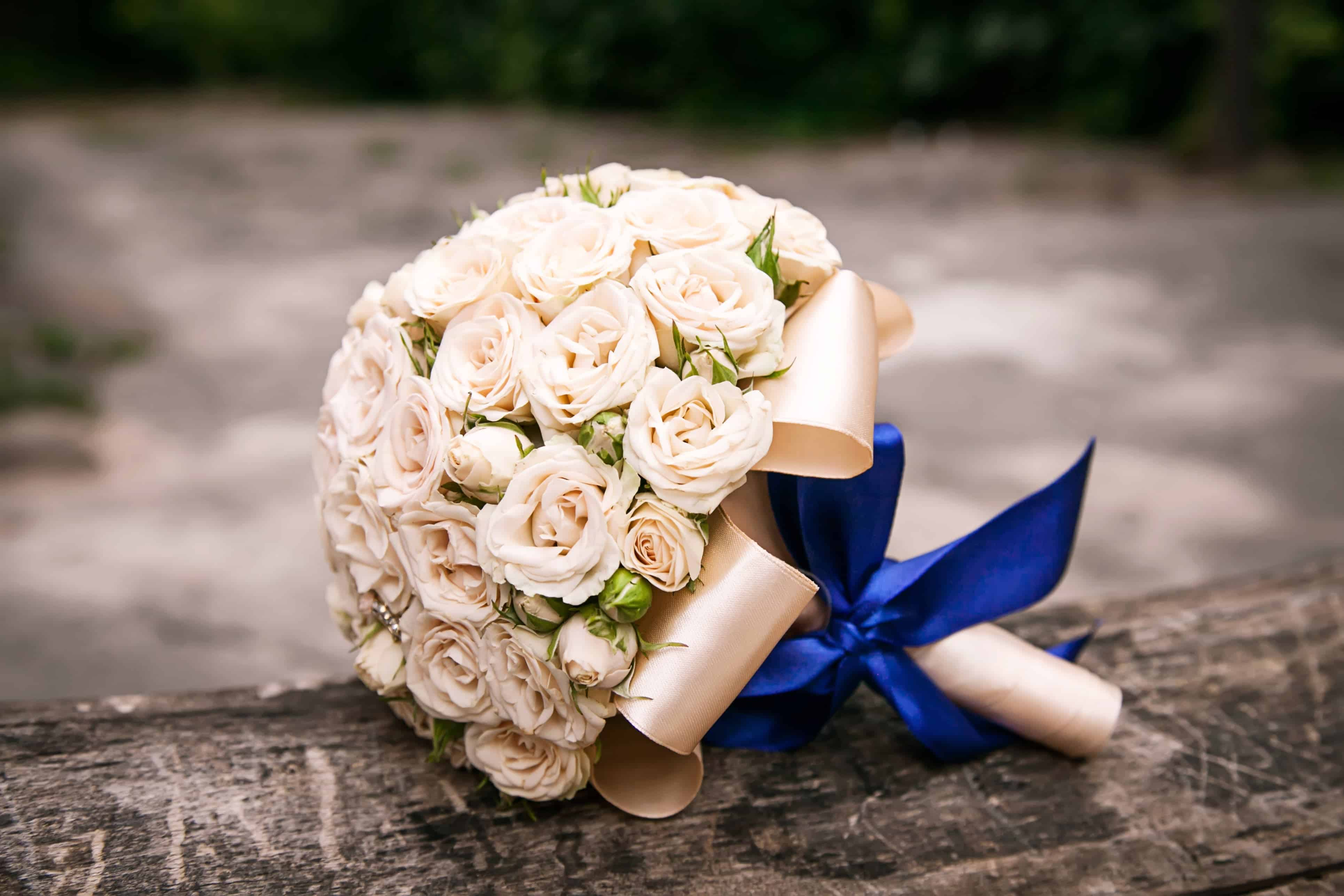 Round bouquet tied with ribbon
