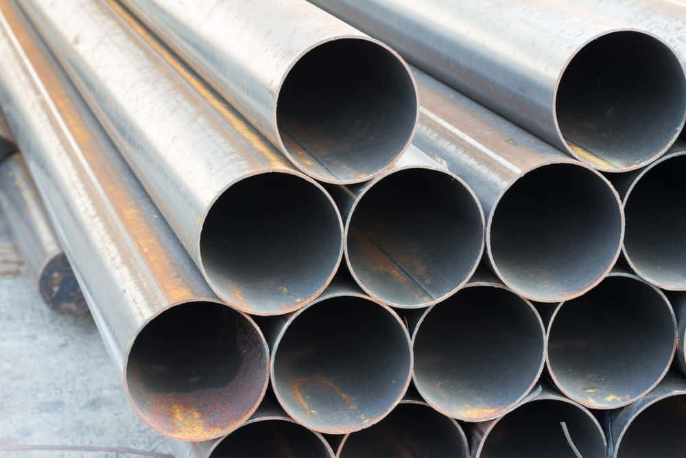 Large pipes made of carbon steel