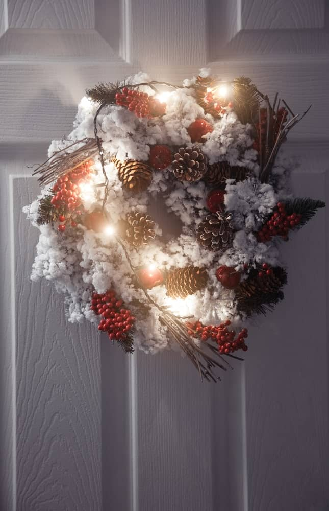 A Bright and Vibrant Christmas Wreath