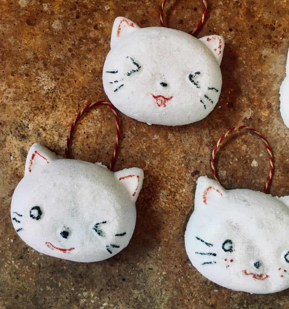 Kitty cat bath bombs