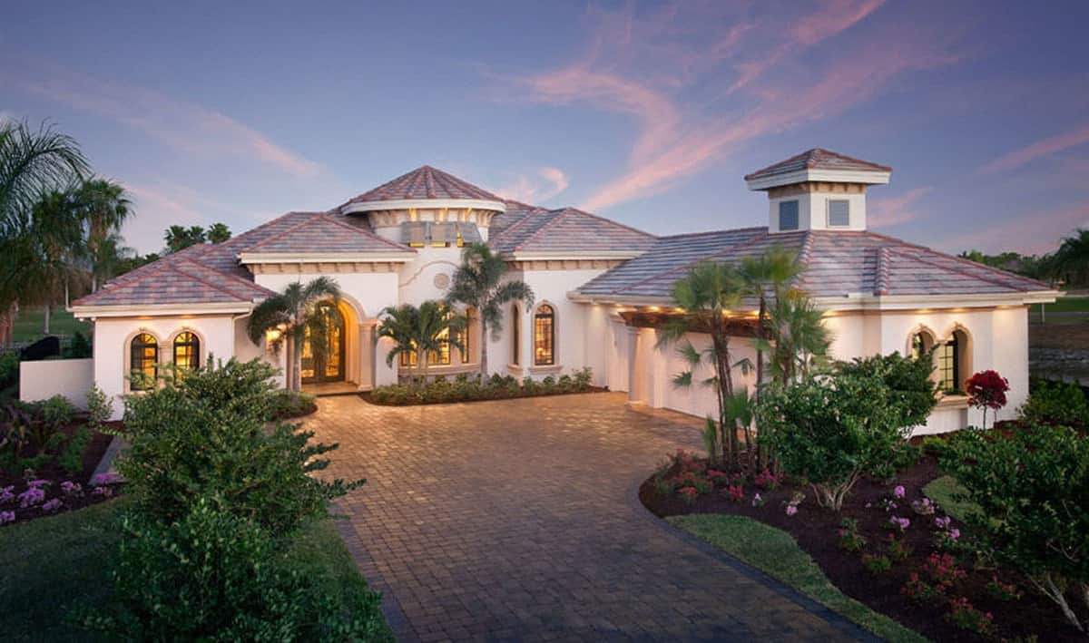 Mediterranean Home cobblestone driveway and front yard landscaping.