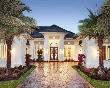 Super-Luxurious Mediterranean House