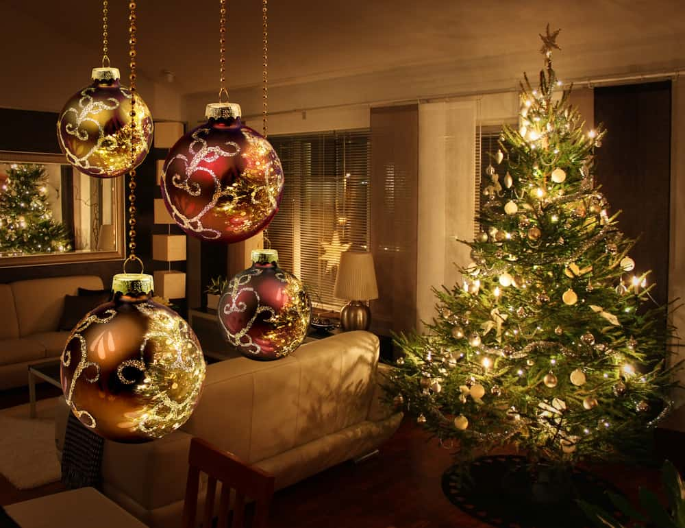 All white light Christmas tree