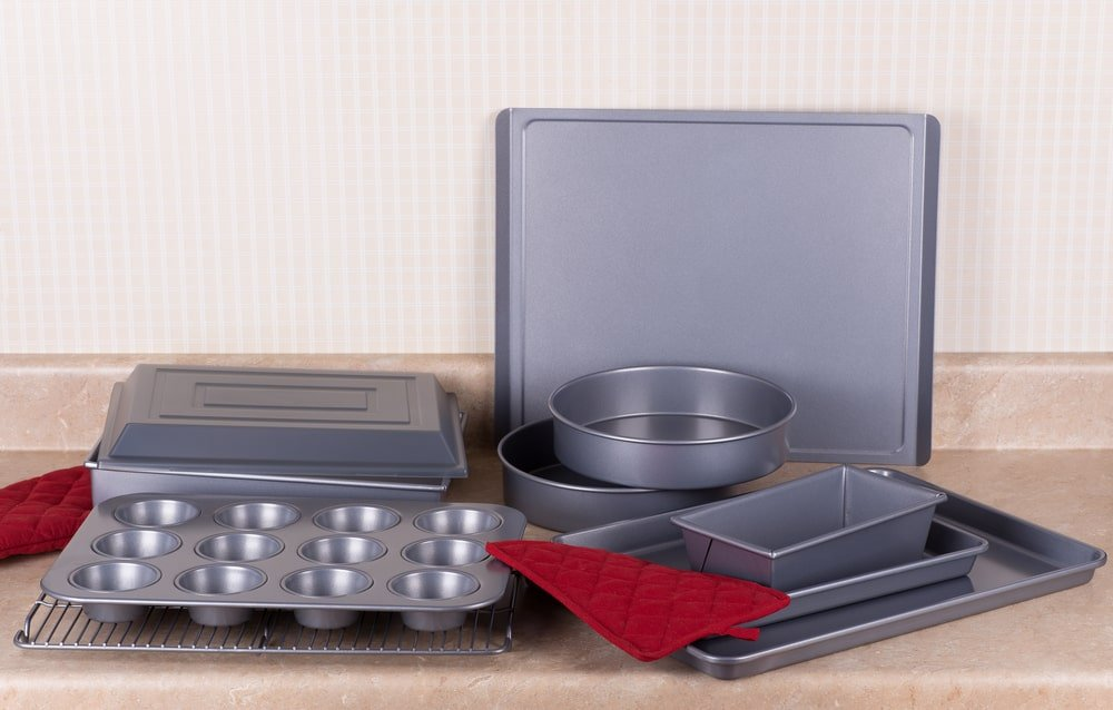Bakeware for making muffins, cakes, and breads.