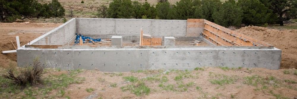 Stem wall foundation