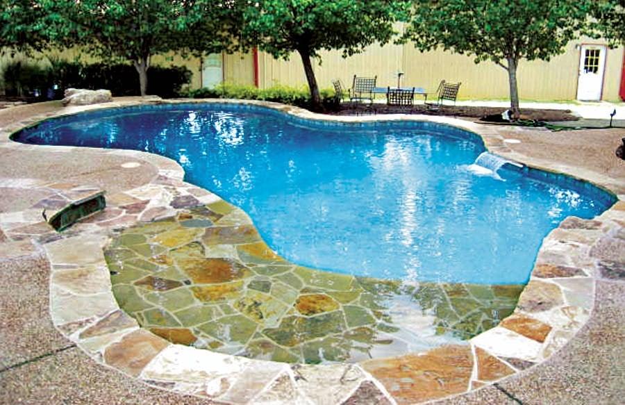 30 Awesome Zero-Entry Backyard Swimming Pools (i.e. Beach Entry)