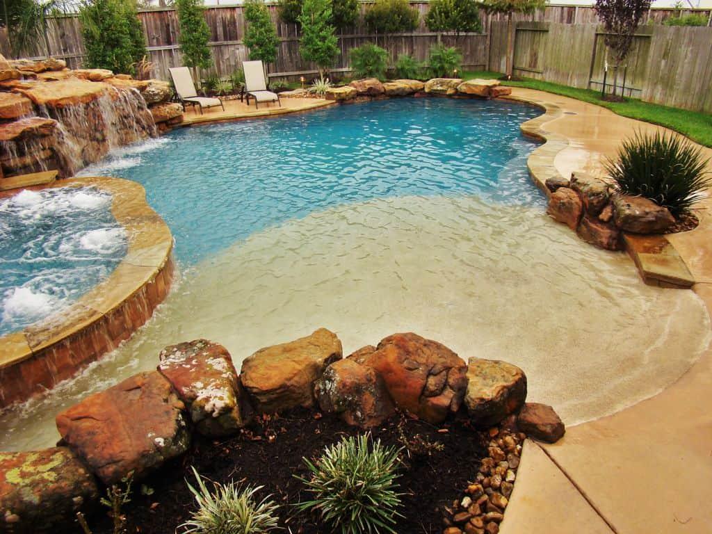 29 Awesome Zero-Entry Backyard Swimming Pools (i.e. Beach Entry)