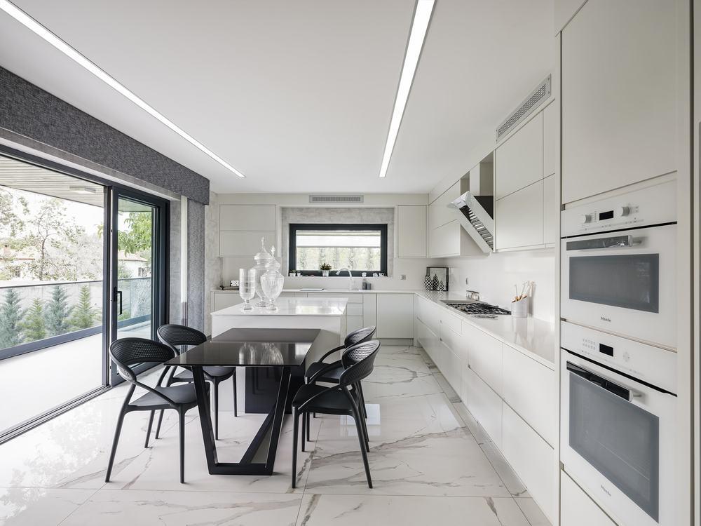 Main Kitchen, general view
