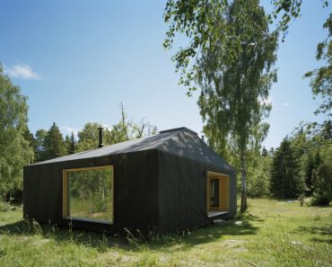Summerhouse at Söderöra by Tham & Videgård Arkitekter