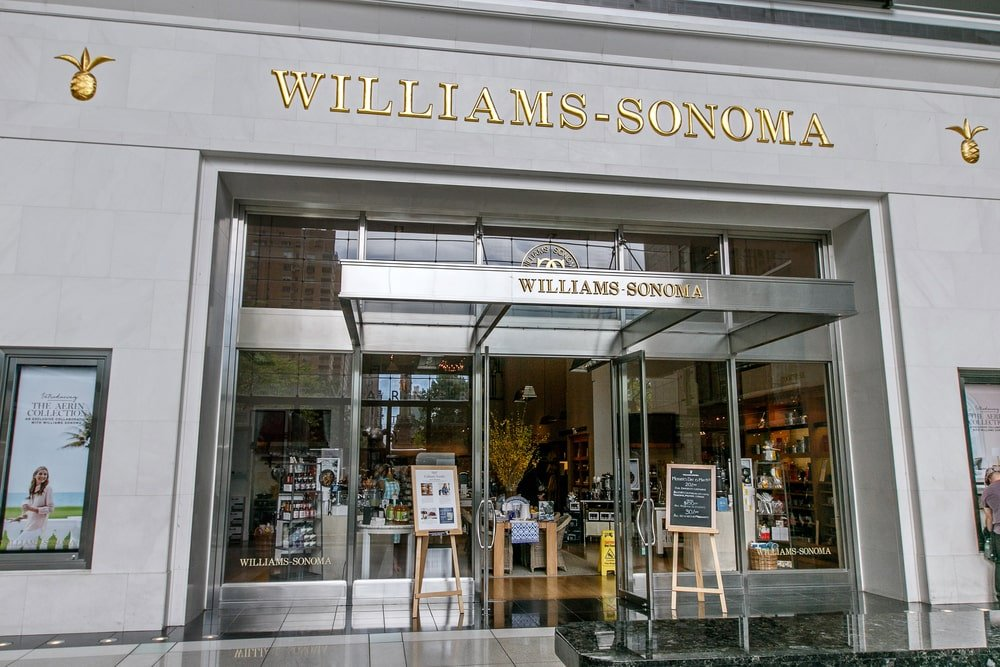 Williams-Sonoma storefront in Time Warner Center.