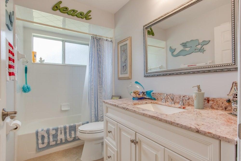 Beach-themed bathroom.