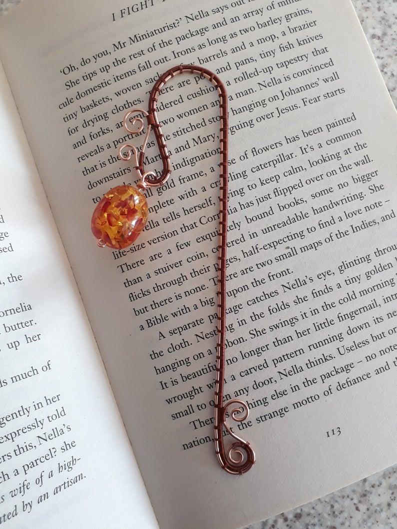 Beaded wire bookmark