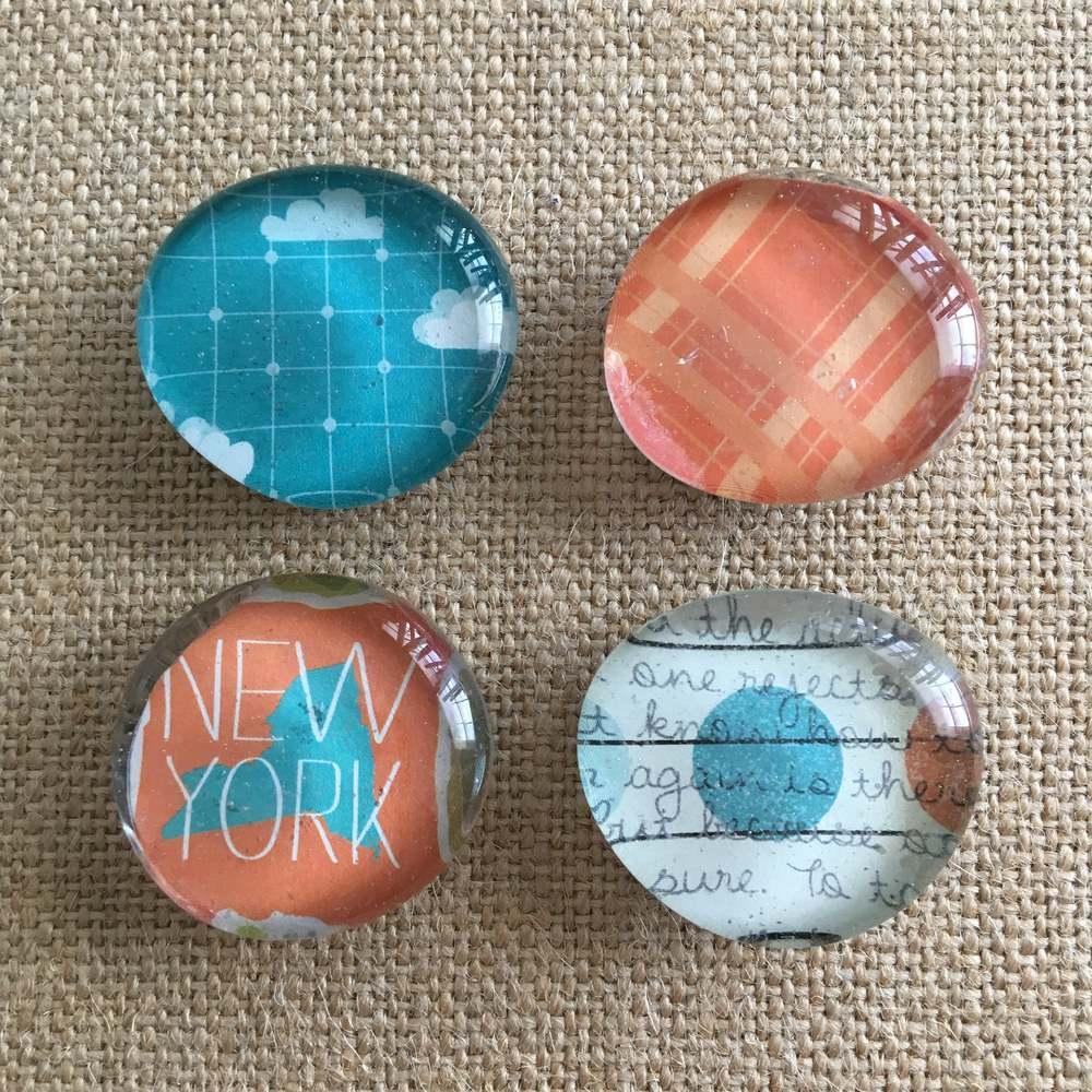 Glass pebble magnets