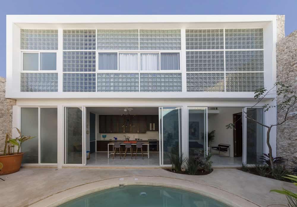 Diaphanous House by Taller Estilo Arquitectura