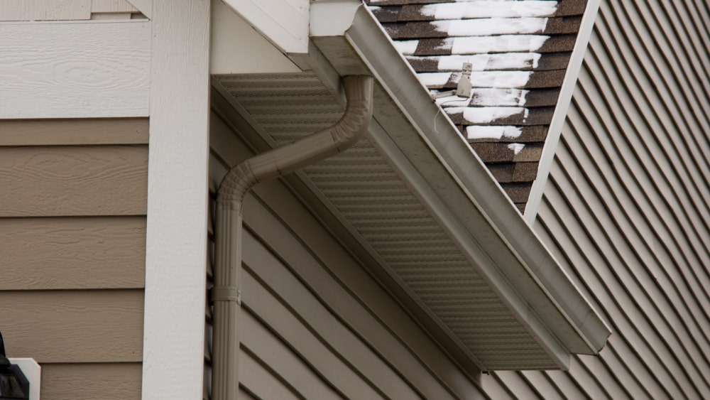 What S The Difference Between Vinyl And Aluminum Gutters
