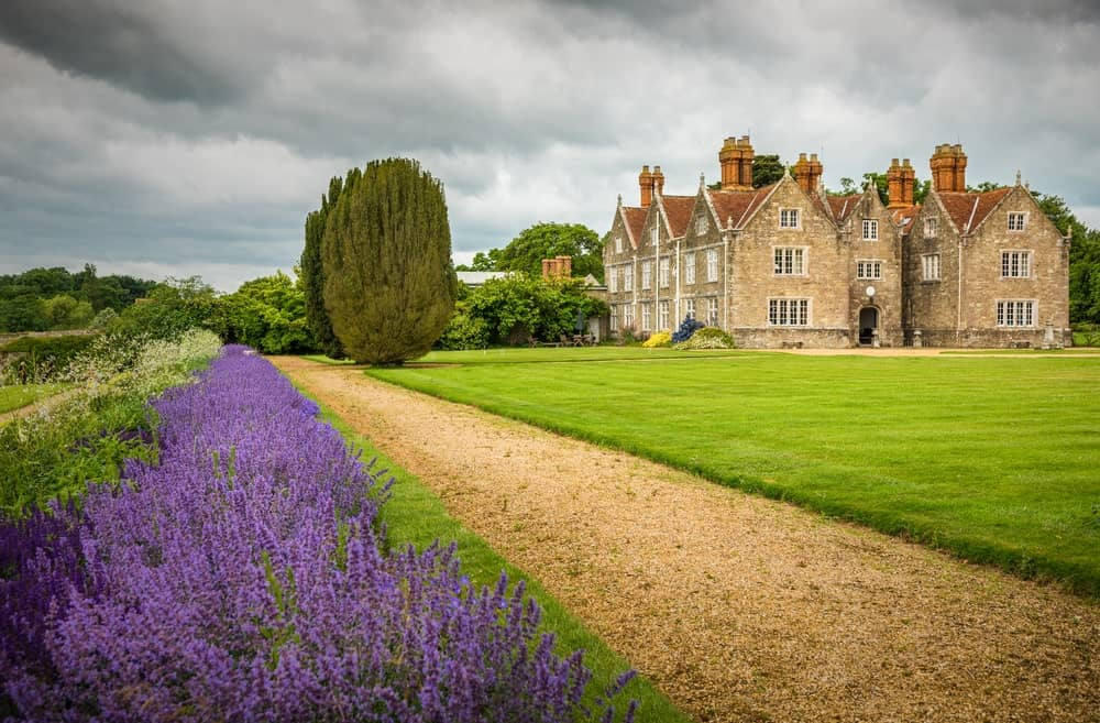 Barton Manor boasts a wide space of garden with a walkway. The surroundings are absolutely peaceful and lovely.