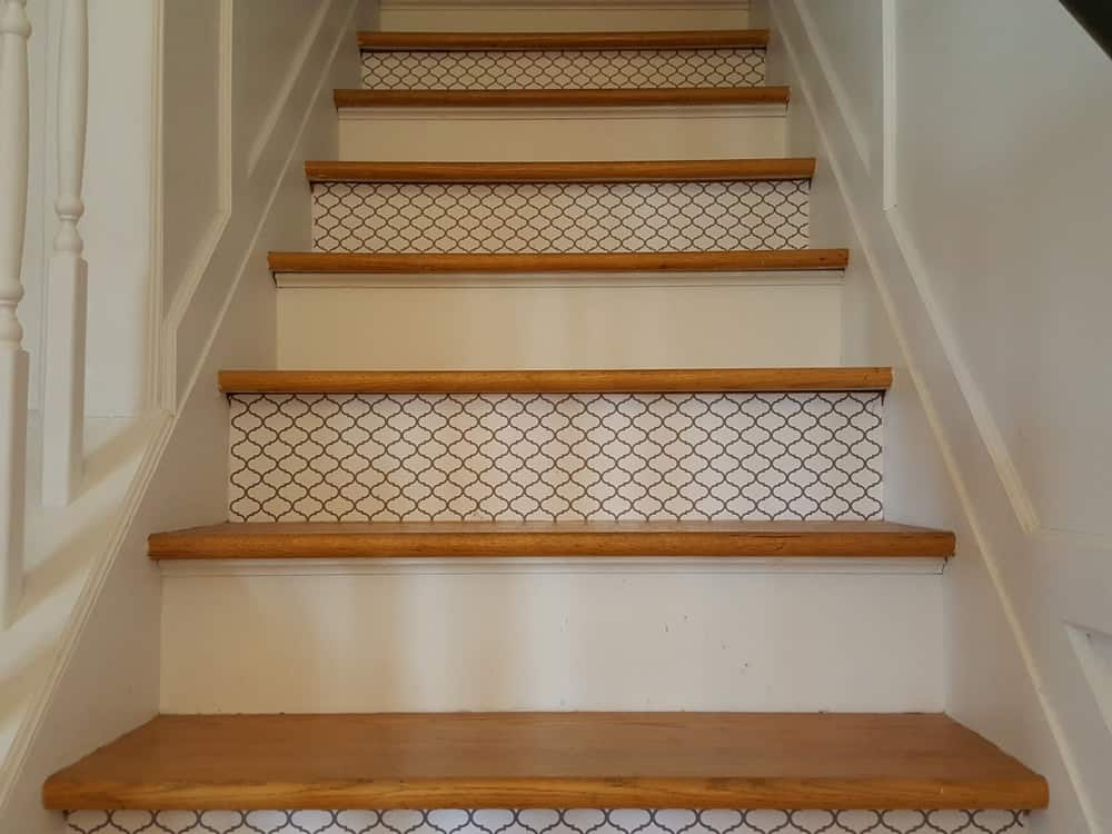 Patterned stair riser