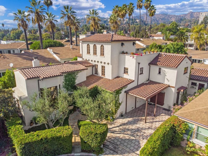 An aerial view of the house showcasing its Mediterranean architectural style. Images courtesy of Toptenrealestatedeals.com.