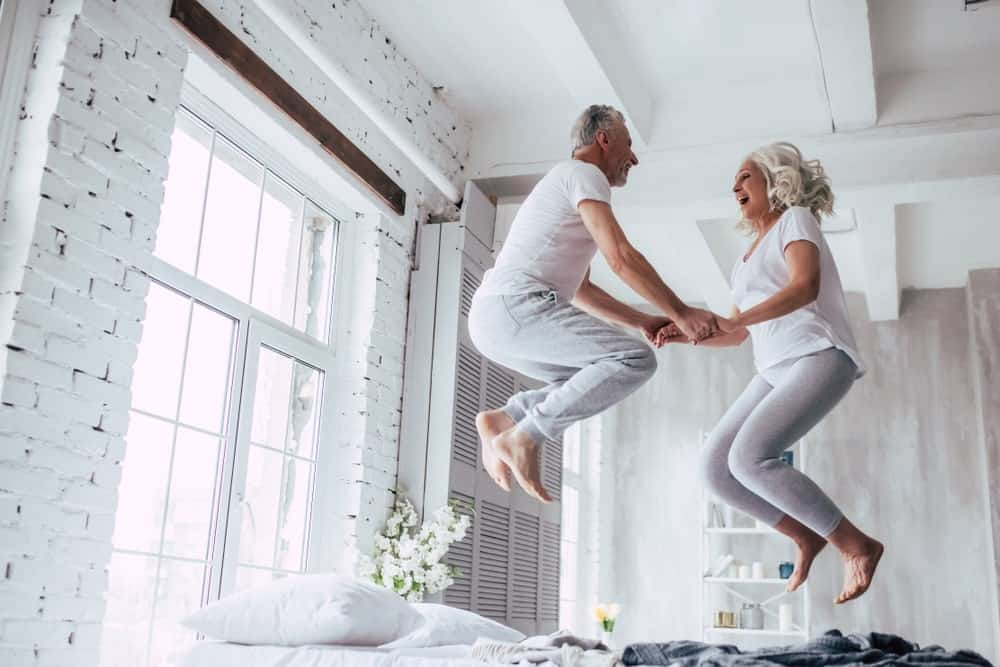 Old couple in a jumpshot.