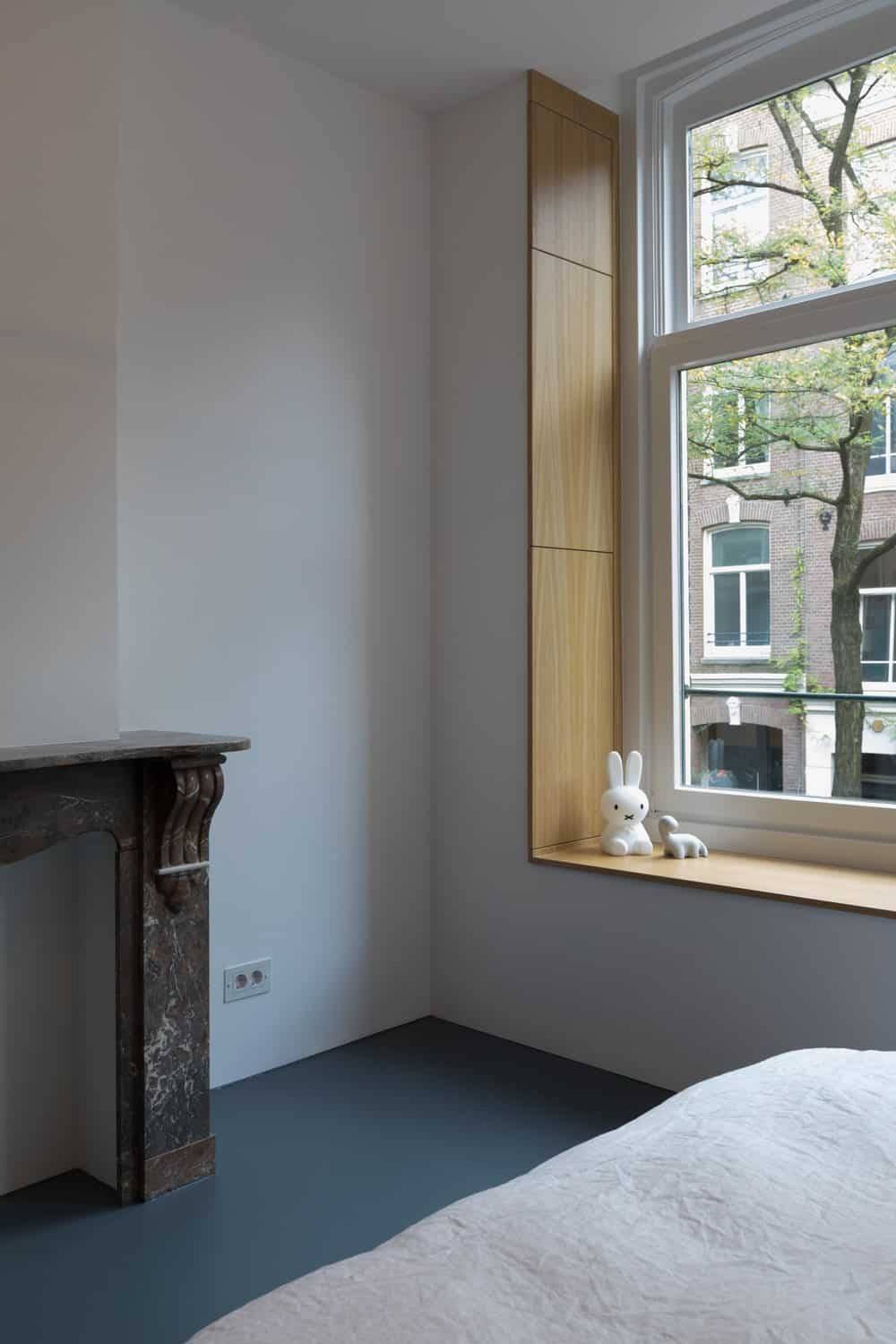 Windows by the primary bedroom in the Frans Halsstraat designed by Cantero Architecture.