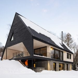 House exterior of the Cabin A designed by Bourgeois / Lechasseur architects.