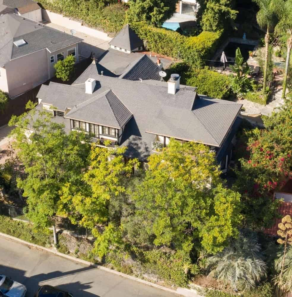 An aerial view of the property showcasing its gorgeous exterior and landscaping design. Images courtesy of Toptenrealestatedeals.com.