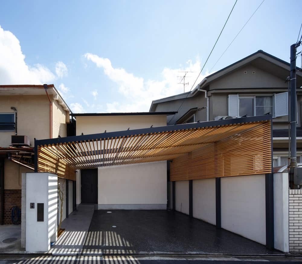 A stunning suburban house made for a couple with their three children, located in the north of Kyoto. It has a gorgeous interior design.