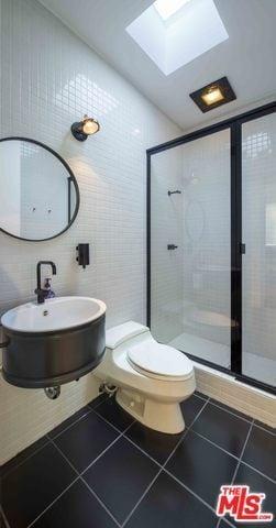25 Black And White Primary Bathroom Decor Ideas Photos Home Stratosphere
