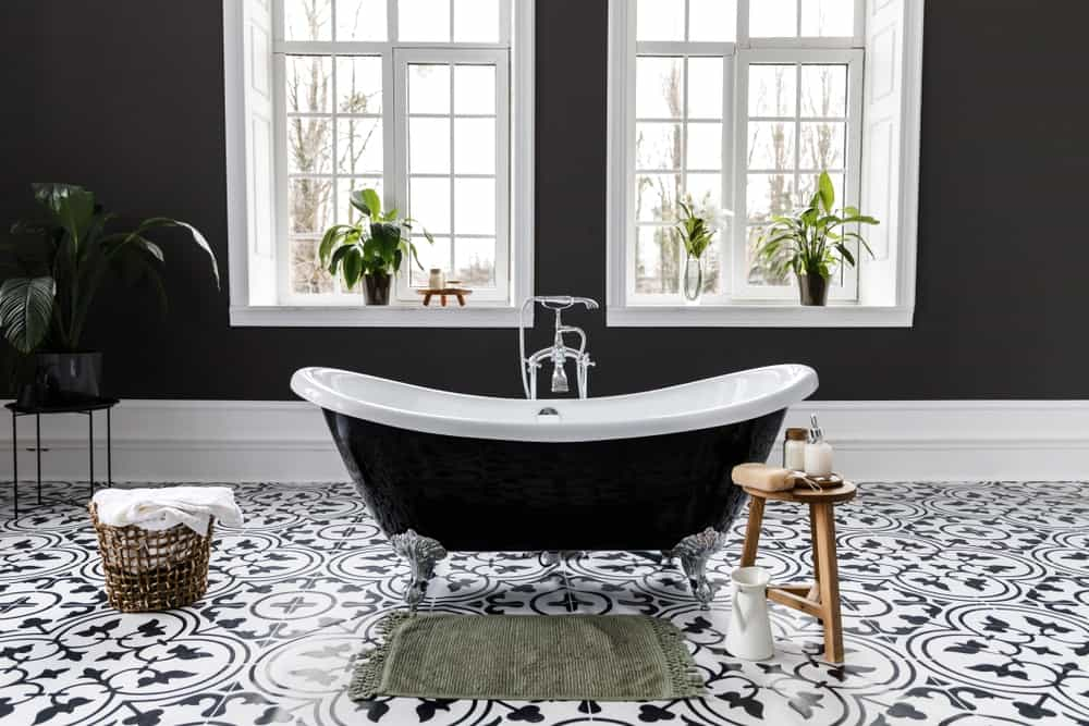 26 Black And White Primary Bathroom Decor Ideas Photos