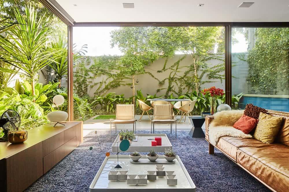 Living room in the Casa Box designed by Flavio Castro.