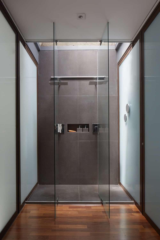 Bathroom in the Casa Box designed by Flavio Castro.