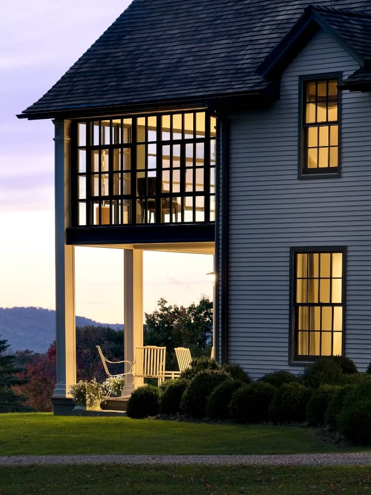 Another closer look at the home's stunning exterior, taken during sunset. Images courtesy of Toptenrealestatedeals.com.
