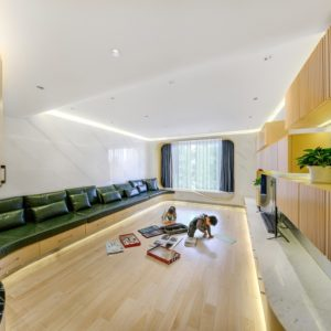 Living room in the Home Space with Two Kids designed by Atelier Alter.