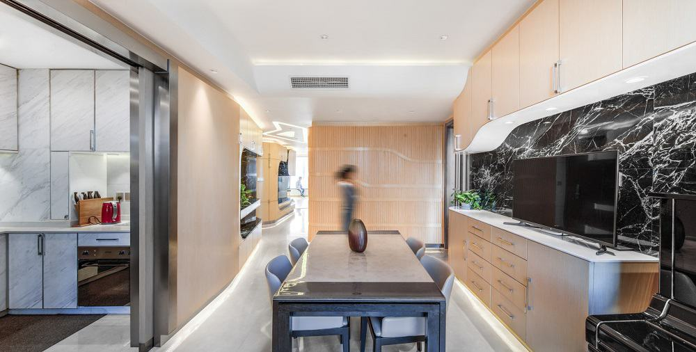 Dining room in the Home Space with Two Kids designed by Atelier Alter.