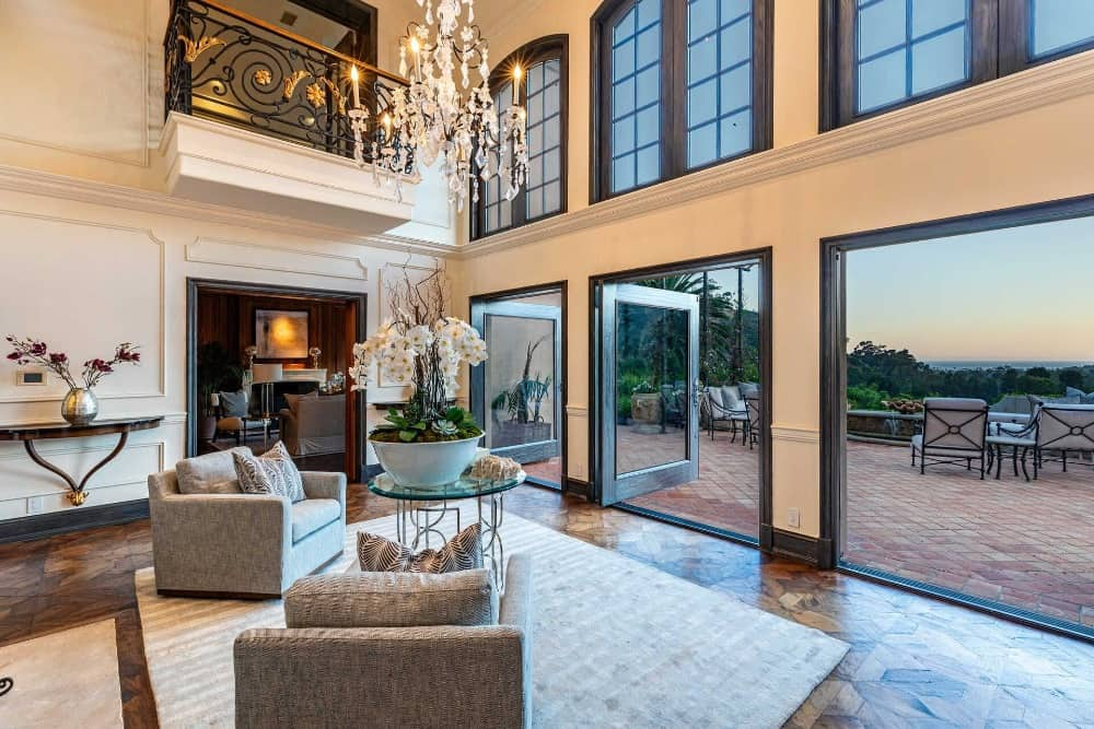 This view of the space showcases the beautiful scenery that can be viewed from here. Images courtesy of Toptenrealestatedeals.com.