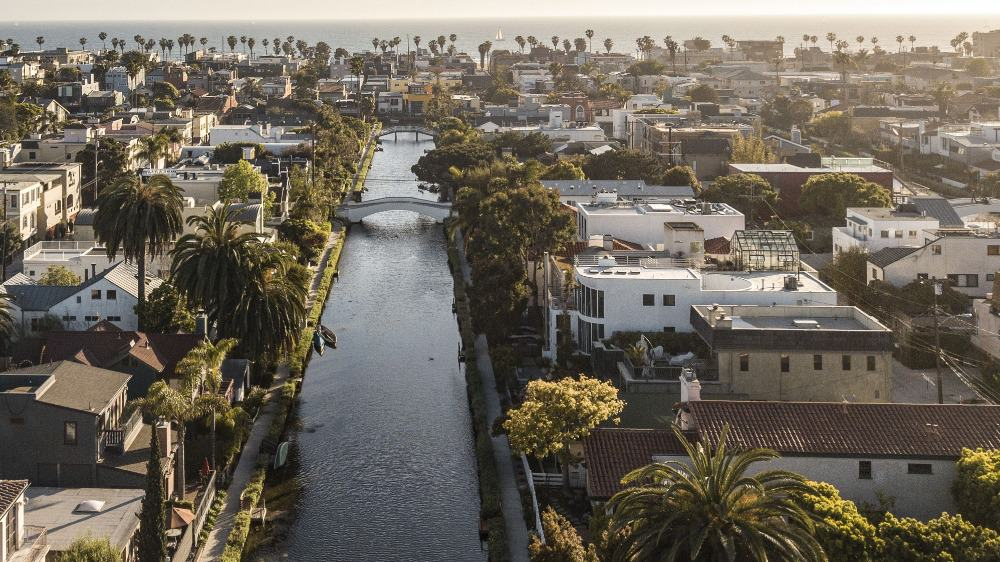 This aerial view showcases the beautiful homes around the L.A. Canal. Images courtesy of Toptenrealestatedeals.com.