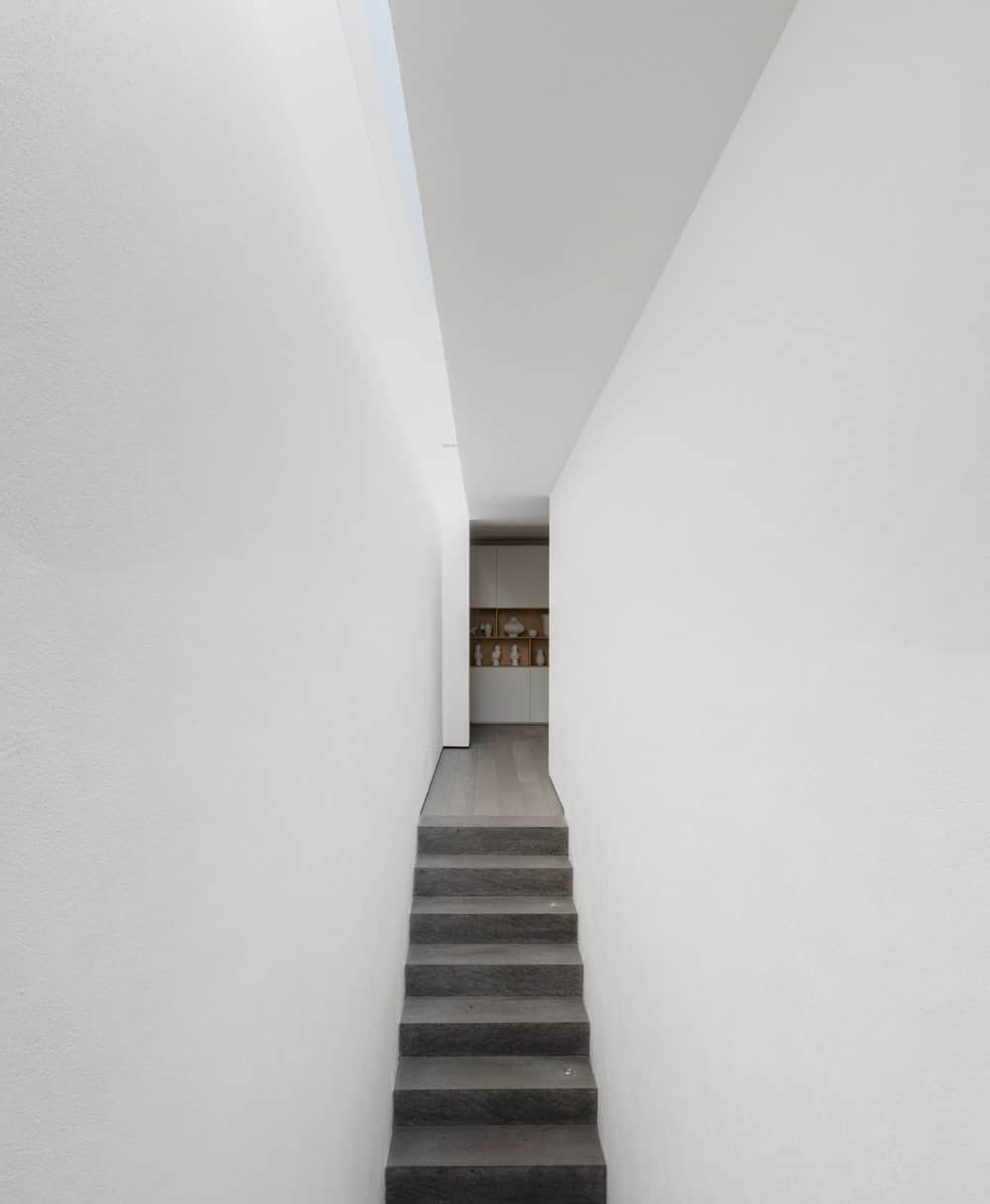 Staircase in the Gama Issa v2.0 designed by studio mk27.