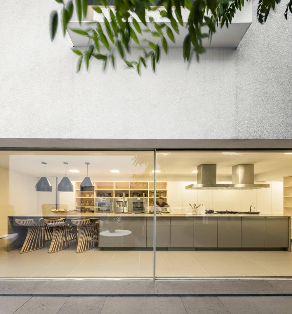 Kitchen in the Gama Issa v2.0 designed by studio mk27.