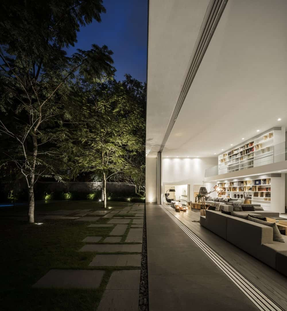 Garden across the living room in the Gama Issa v2.0 designed by studio mk27.