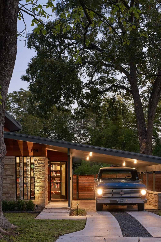 Garage of the Re-Open House designed by Matt Fajkus Architecture.