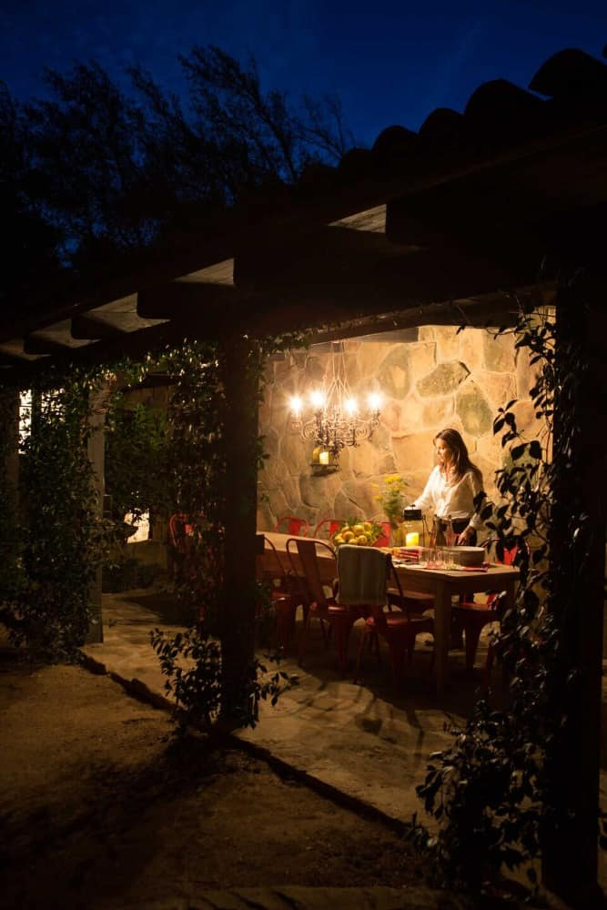 There's also a lovely outdoor dining situated on the home's garden area. Images courtesy of Toptenrealestatedeals.com.