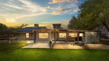 The sunset that can be viewed in the ranch are absolutely gorgeous. Images courtesy of Toptenrealestatedeals.com.