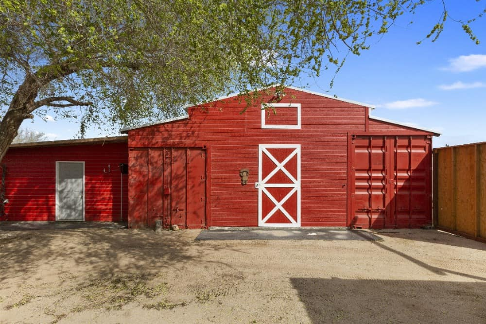 Here's a side view look at this building featuring its red exterior. Images courtesy of Toptenrealestatedeals.com.