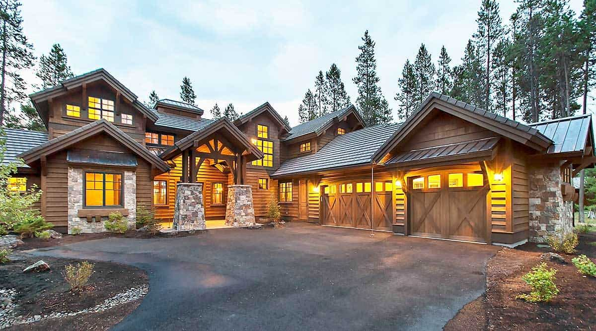 Two-Story Mountain Home with 4 Primary Suites