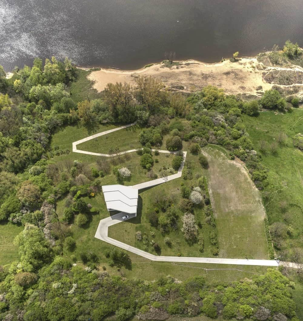 Aerial view of the By The Way House designed by Robert Konieczny KWK Promes.