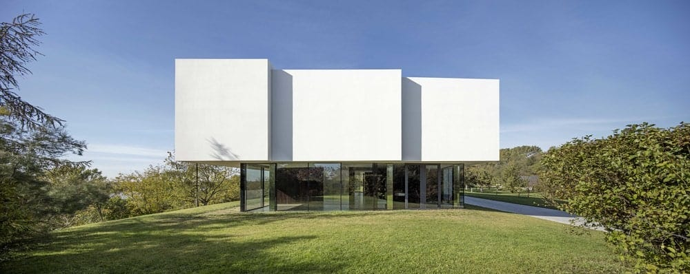 Side exterior view of the By The Way House designed by Robert Konieczny KWK Promes.