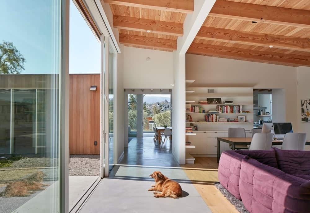 Living space in the Modern-Day California Ranch House designed by Malcolm Davis Architecture.
