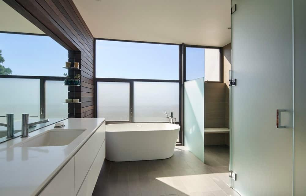 Primary bathroom in the House on Hillside designed by Terry & Terry Architecture.
