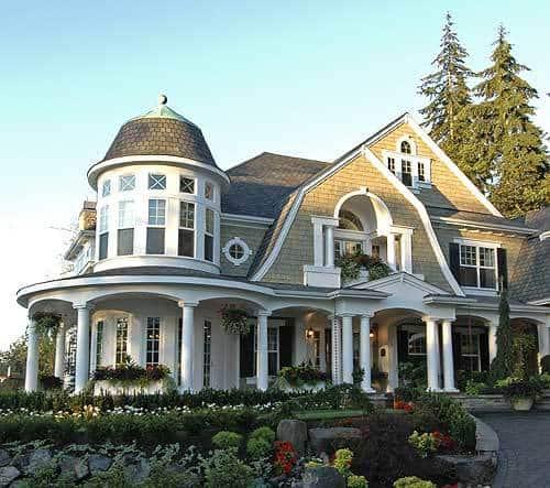 4-Bedroom Multi-Story Hampton Style Home