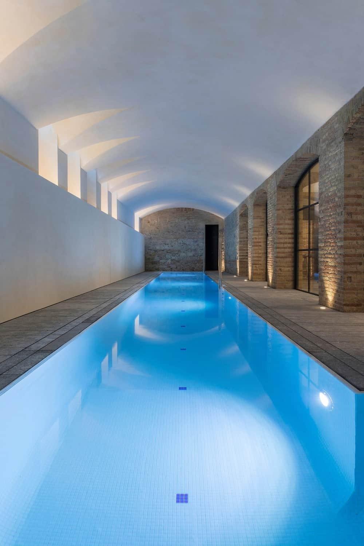 Lap swimming pool in the Casa Burés designed by Estudio VILABLANCH + TDB Arquitectura.